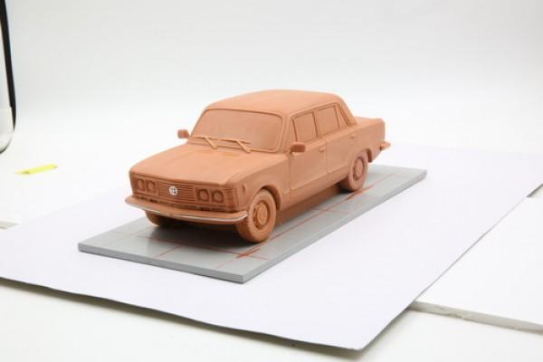 仿真比例车原型油泥雕刻